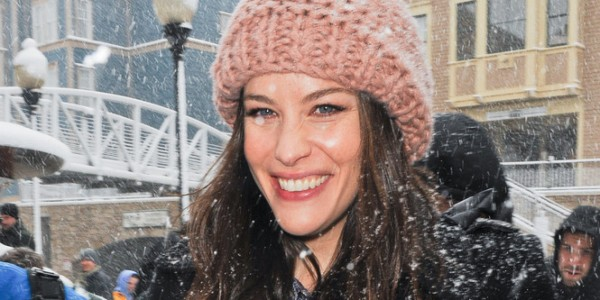 Liv Tyler rocks a toque